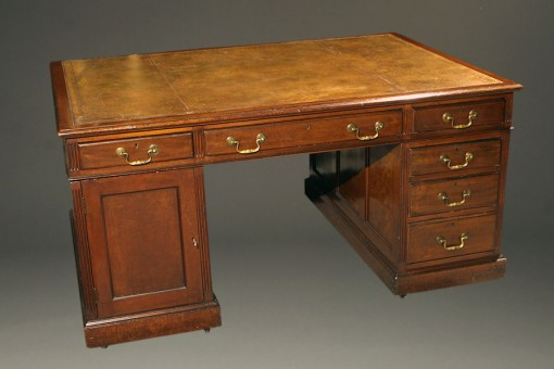 Early 20th century English partner's desk A5253A1