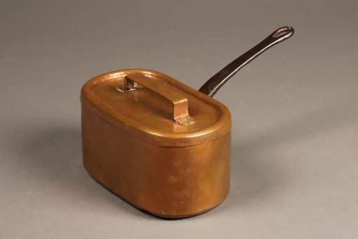A5319A-19th-century-French-copper-wrought-pot-antique