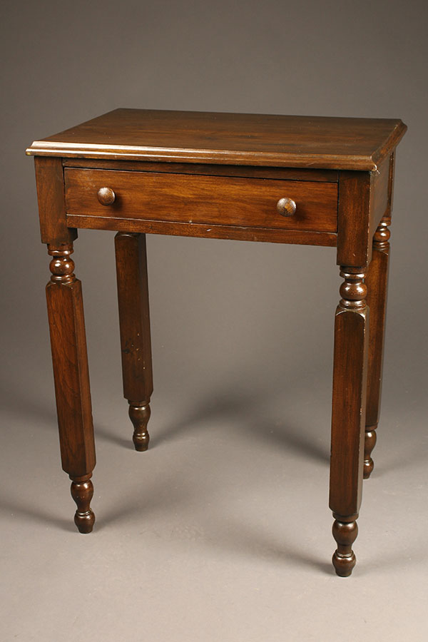 A5465A-table-antique-walnut-drawer