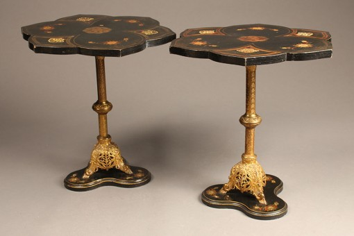 Pair of lacquered end tables A5513A