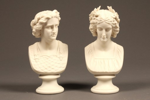 pair of porcelain busts A5568A