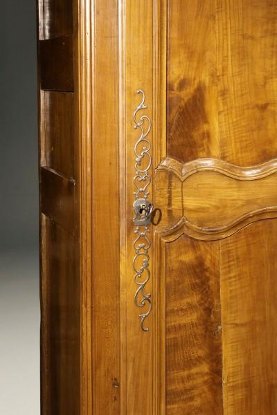 Louis XV style bonnetiere A5592E