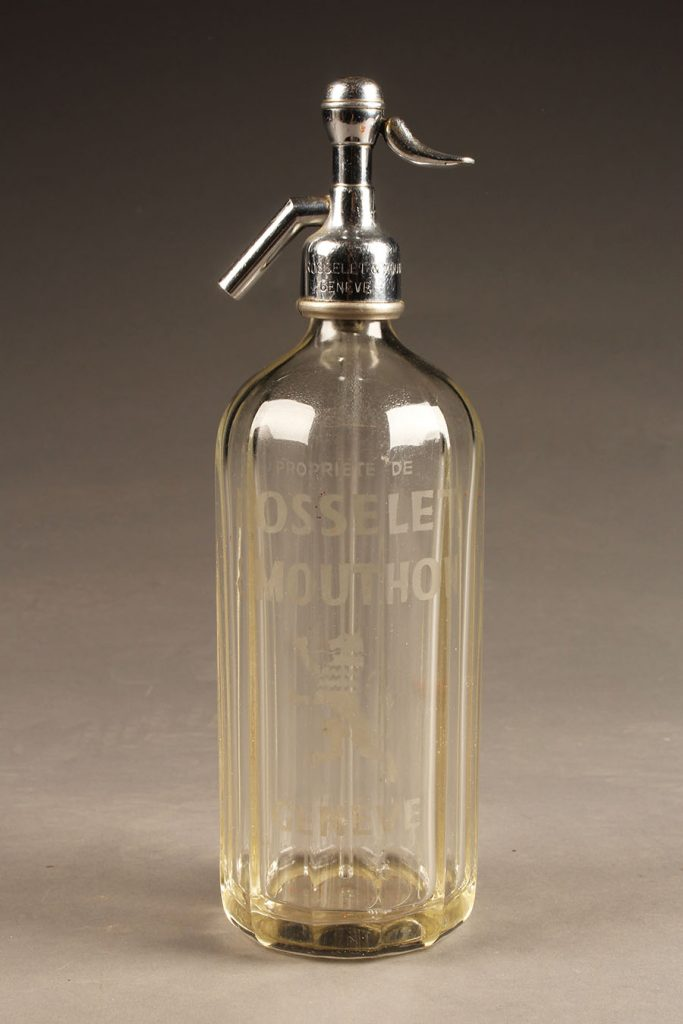 A5622A-antique-seltzer-bottle
