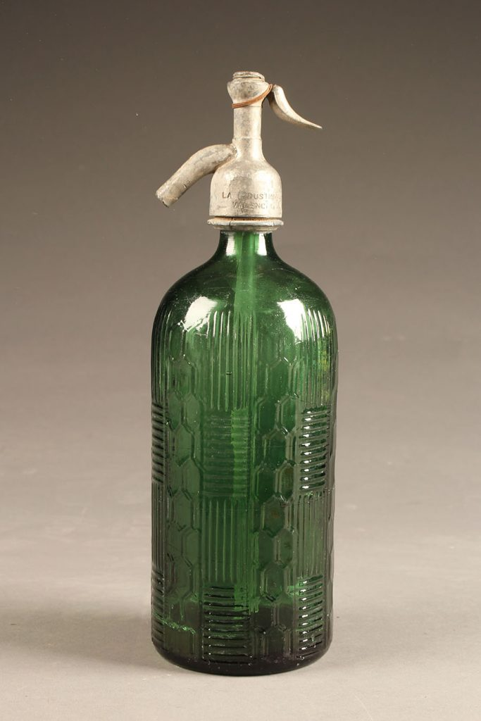 A5637A-antique-seltzer-bottle