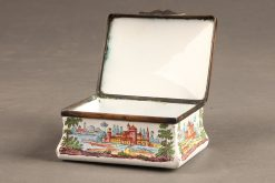 Late 19th century snuff/patch box with enameled hand painted scenes, circa 1890.