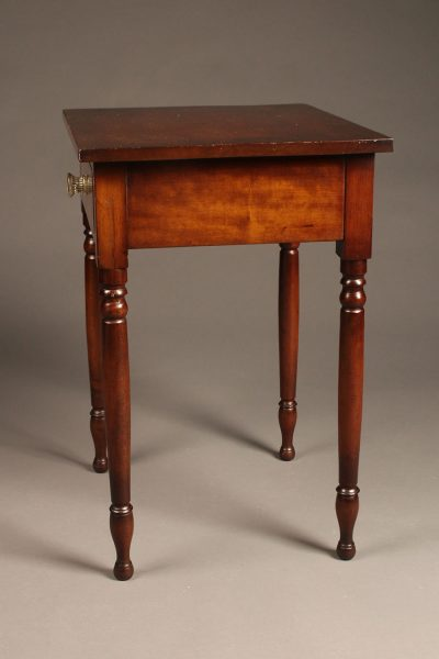 19th century American cherry wood stand table with drawer