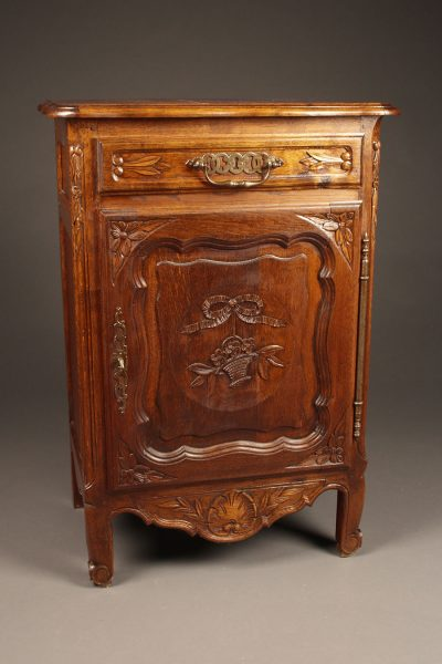 French Louis XV Rustique styled confitierre (jam cabinet) in nicely hand carved oak