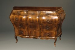19th century Italian bombe commode in burr walnut, circa 1890 A2435A