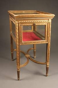 A3898C-antique-louis-XVI-display