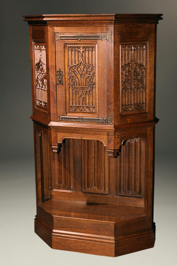 19th century french gothic style credence in oak. Black Bedroom Furniture Sets. Home Design Ideas