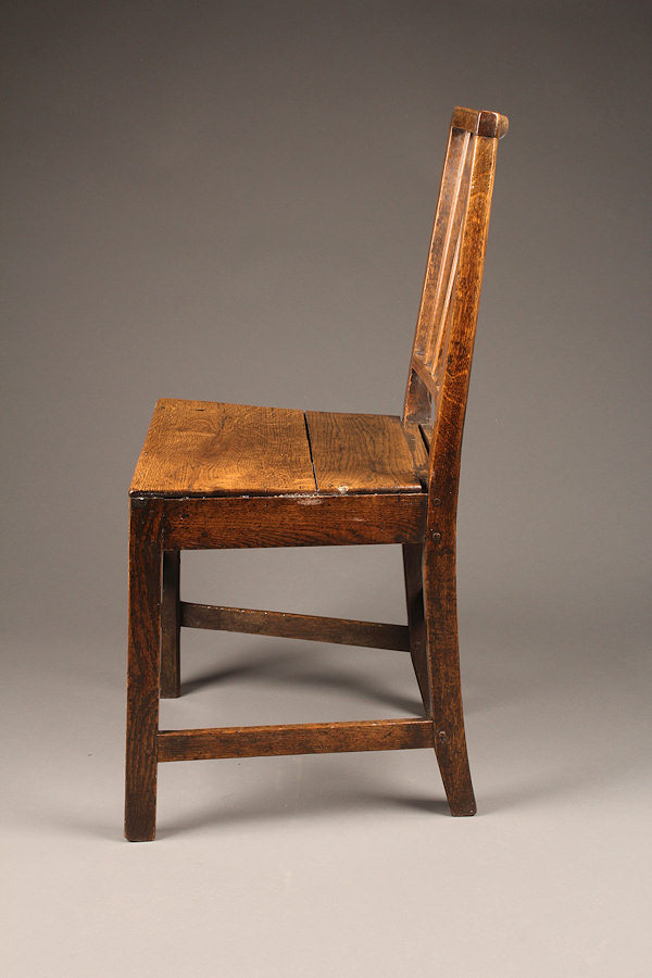 Early 18th Century English Farmhouse Chair