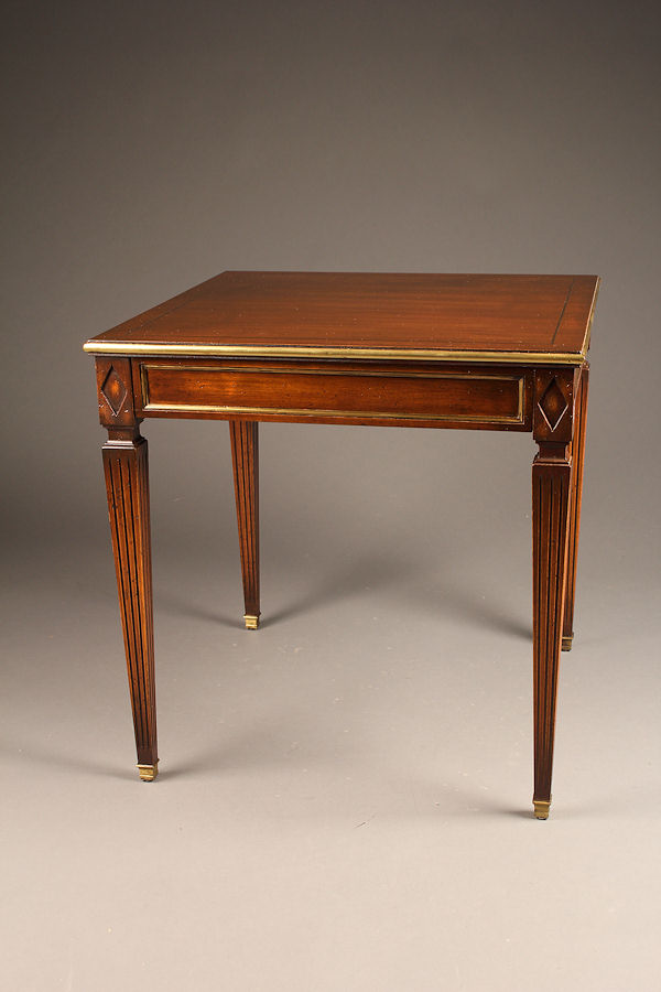 antique french louis xvi style mahogany end table a5219a1 - Antique Mahogany End Tables