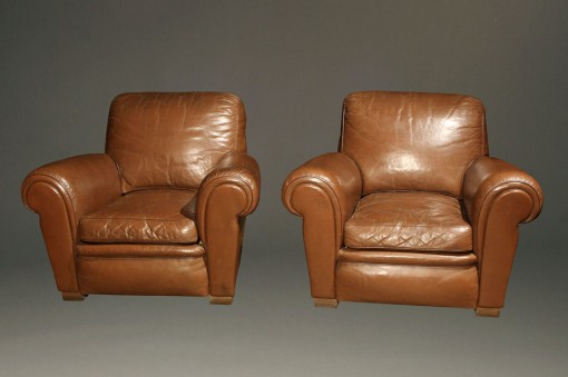 Antique Pair of Leather Club Chairs A5266A1