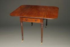 Mahogany drop leaf table A5532A