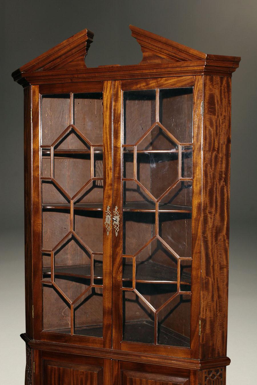 Irish Corner Cabinet A5544B - Antique Mahogany Irish Corner Cabinet.