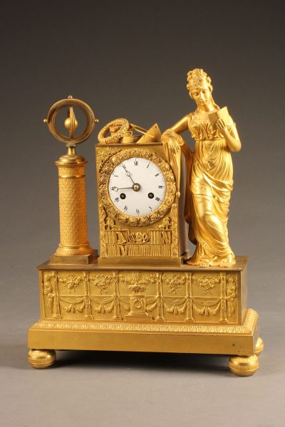 A5656A-antique-french bronze-statue-clock