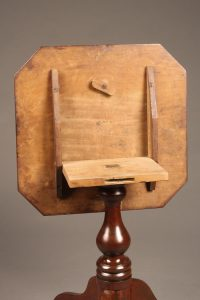Wonderful tilt top table with octagonal top and 3 legs.