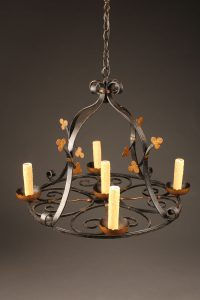 Late 19th century French round wrought iron chandelier with 5 arms and fluer-de-lis