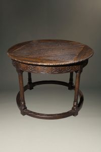 Mid 19th century English oak round tavern table